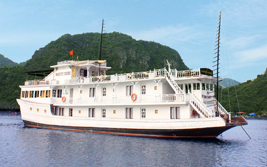 Majestic Cruise 3 Days 2 Nights (Kayaking, Explore Lan Ha Bay)
